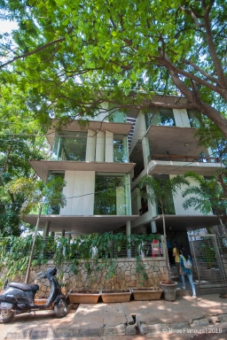 Nirvana Films Office by Shimul Jhaveri Kadri Associates